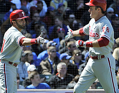 Phillies second baseman Chase Utley goes 3-for-3 and homers for the second game in a row against the Cubs. (USATSI)