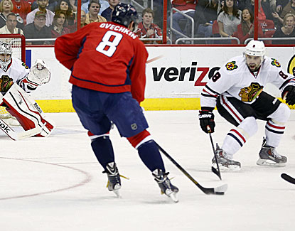 Alex Ovechkin scores his NHL-leading 51st goal to help lead Washington to a win against the Blackhawks. (USATSI)