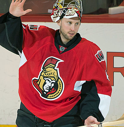 Ottawa goalie Craig Anderson stops 27 shots against the Maple Leafs for his fourth shutout of the season. (USATSI)