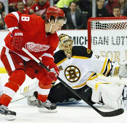 Bruins goalie Tuukka Rask stops 23 shots in notching a shutout of the Red Wings in Game 3.  (USATSI)