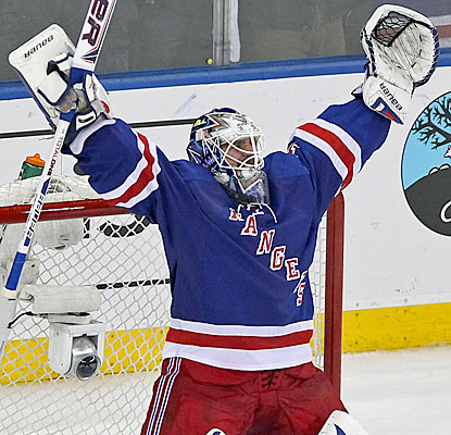 Henrik Lundqvist, who makes 26 saves, helps the Rangers improve to 6-0 in Game 7s at Madison Square Garden. (USATSI)