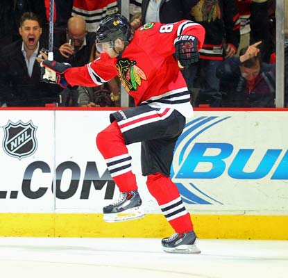 Patrick Kane scores twice in the third period shortly after the Blackhawks lose a two-goal lead.  (USATSI)