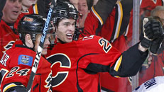 Flames oust Canucks