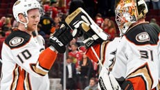 Ducks take 2-1 series lead