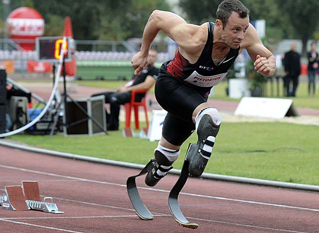 Pistorius remains eligible for South Africa's 4x400 relay team after failing to qualify for the 400m. (AP)