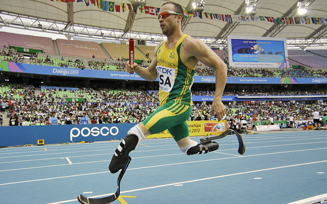 Oscar Pistorius will run the 400 in London despite not meeting the qualifying criteria. (AP)