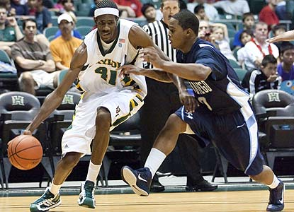 Anthony Jones scores 14 as Baylor takes out its frustrations on the Toreros after losing to Gonzaga. (AP)