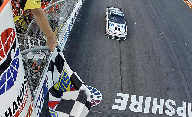 Tony Stewart gets a 2-2 start to the Chase, something Greg Biffle did in 2008. (AP)