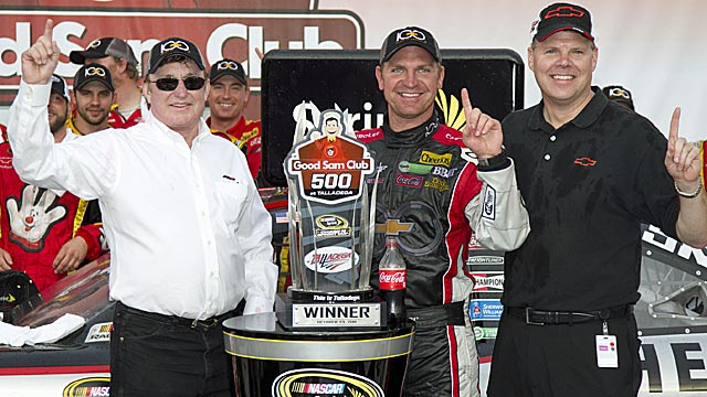 Clint Bowyer makes Talladega another restrictor-plate coup for Richard Childress Racing. (AP)