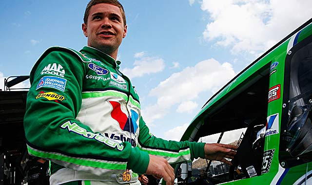 Ricky Stenhouse Jr. -- who entered tied with Elliott Sadler -- leads by 20 points with one race left. (Getty Images)