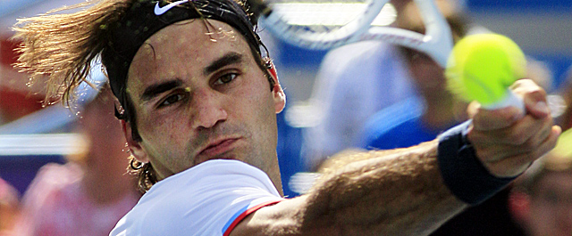 Federer snaps Djokovic's streak of 15 straight wins on hard courts. (Getty Images)