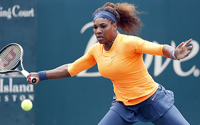 Serena Williams defeats Lucie Safarova to win her 13th straight match, and will face sister Venus in the semis. (AP)