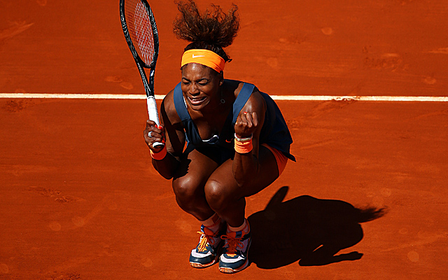 Off serves and groundstrokes don't stop Serena Williams from battling to reach the semis. (Getty Images)