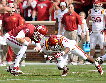 Trevor Knight and Oklahoma score 45 unanswered points, erasing an early deficit and blowing out Iowa State. (USATSI)